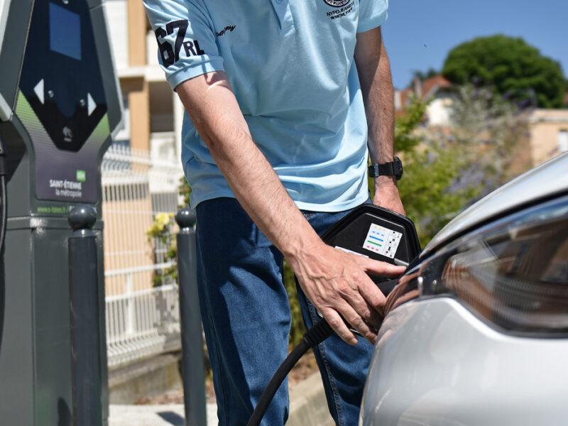 Bonre de recharge pour véhicules électriques