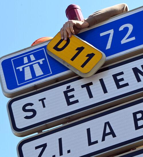 Panneaux routes métropolitaines